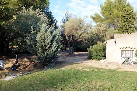 Appartement ds Bastide Provençale proximité mer - Le Castellet