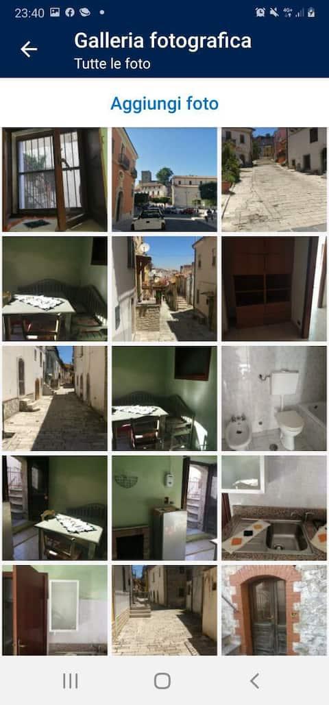 casa al borgo antico  ,caratteristico nel suo genere  per gli amanti della montagna  dotata dell essenziale per un soggiorno piacevole.