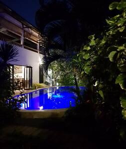 Oaza Bali Bungalow - Lovina -