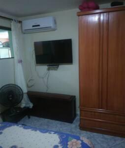 Casa tipo apartamento térreo em condomínio fechado