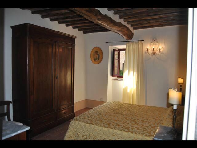 Camera Signorile nel Chianti Senese - San Sano