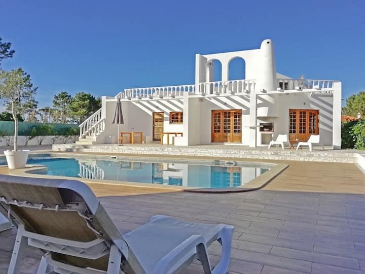 Stylish villa, amazing pool area, nearby the ocean