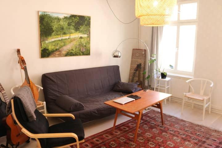 Bohemian Scandinavian 2-room flat in Möllan