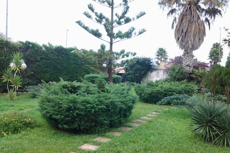 Villetta semi indipendente - Torre Saracena - Σπίτι