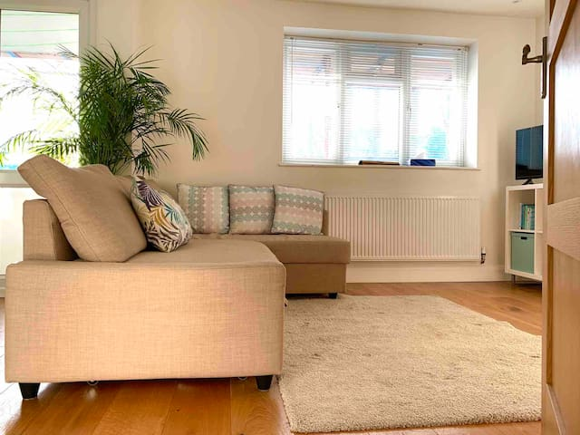 Large Private Room | Close to Lewisham Station