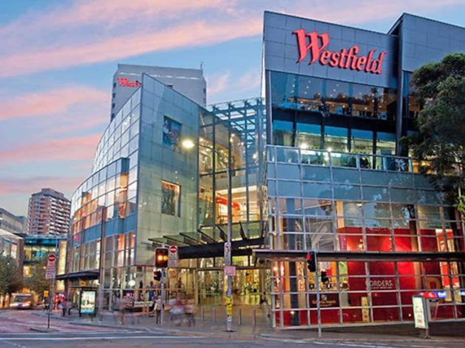 Bondi Westfields is only a 5min walk from the apartment