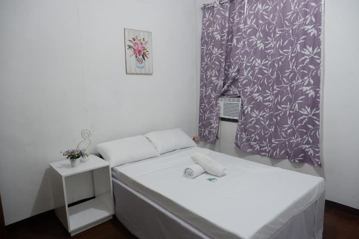 Cozy Private AC Room 4 in the center of Dumaguete