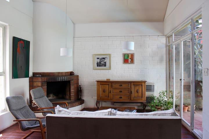 Casa completa en exclusivo barrio Bombal
