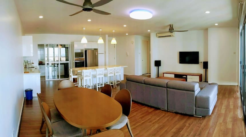 High-Floor   Quiet - Perfect for Family & Friends