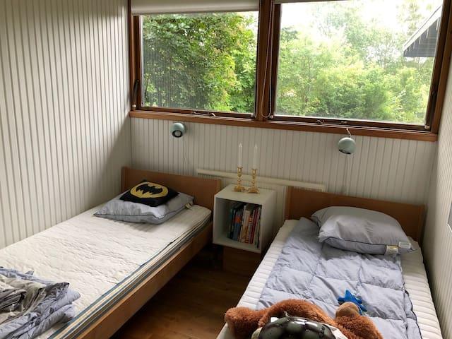 Guest / Kid bedroom