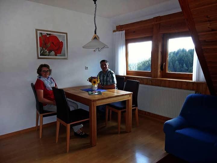 Ferienhof Bühler, (Schramberg), Ferienwohnung A, 60qm, 2 Schlafzimmer, max. 4 Personen