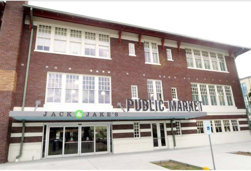 Nearby Public market
