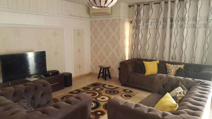 Cozy Private Room + Free WiFi near Chevron, Lekki