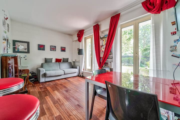 Studio in the chic district *Neuilly sur Seine*