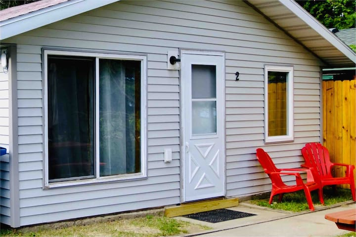 Beautiful Lake Belle Taine Two Bedroom Cabin-2