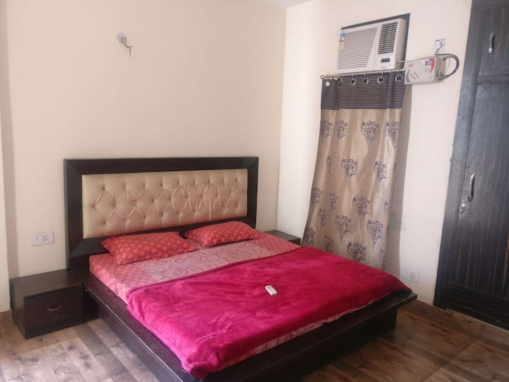 Furnished flat near Pari chowk & ExpoCente GNoida