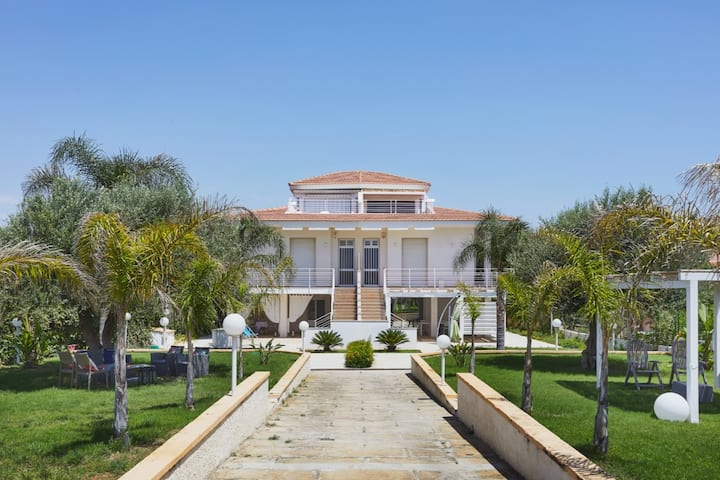 Villa Marina CaseSicule / Villa Marina Sea View 2