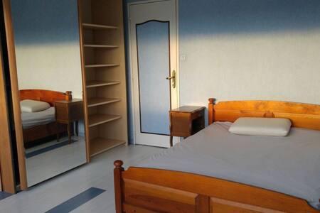 Loue chambre pour étudiant, jeune salarié (2coloc) - Vandœuvre-lès-Nancy - Apartemen