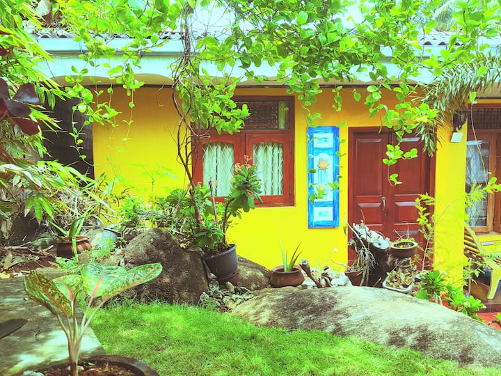 Tropical homestay by the golden beach