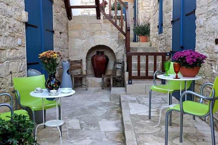 Ipio Vouni Suites - Vouni - บ้าน