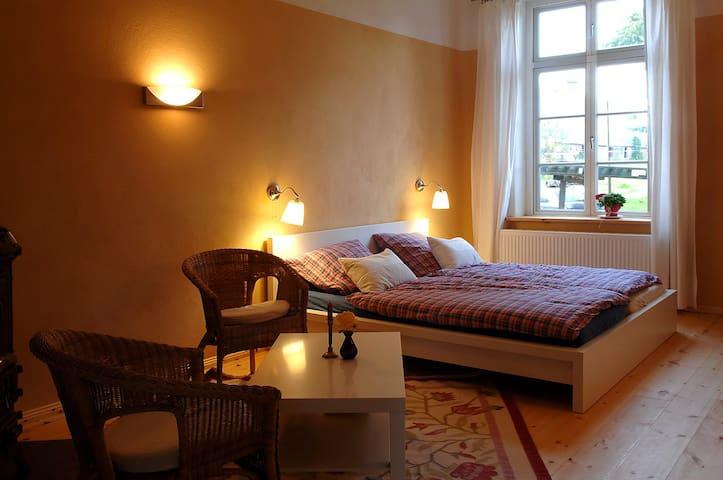FeWo im alten Gutshaus Othenstorf - Rehna