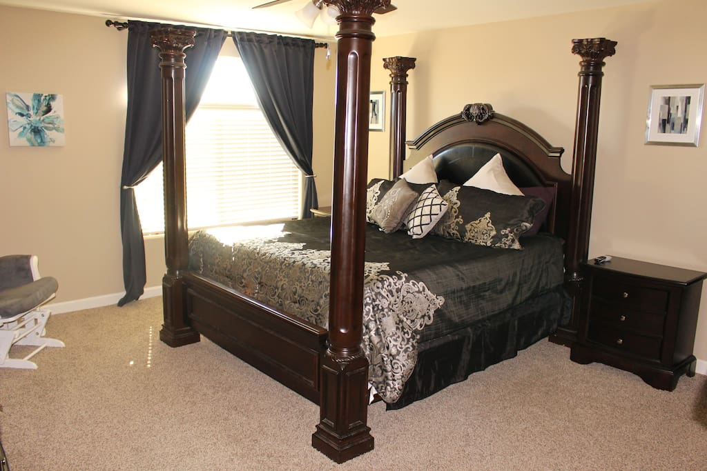 Sink into bed after a day of watching major league baseball spring training games. In this spacious Master bedroom you will also enjoy a large walk in shower, enormous walk in closet more like another bedroom, Lg flat screen TV with Satellite DirectTV