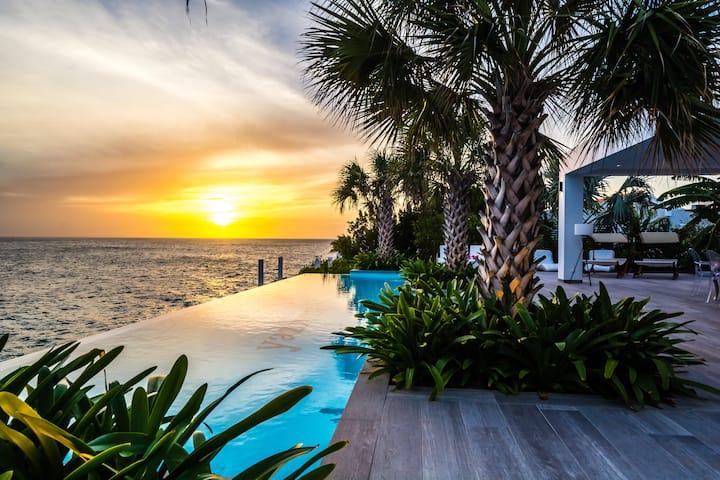 Villa Yazmin  - Ocean Front Villa