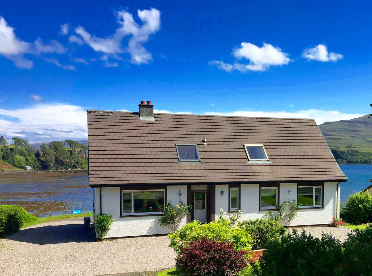 Large, comfortable house in Portree with stunning views from most rooms