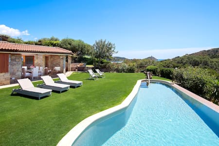 Villa in Chia. Private pool, close to the beach. - Chia - Villa