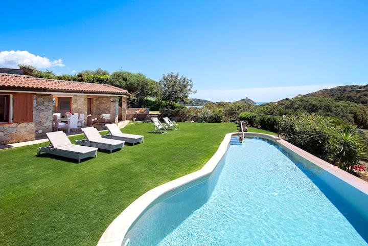 Chia Beautiful Villa, exclusive pool, near the sea