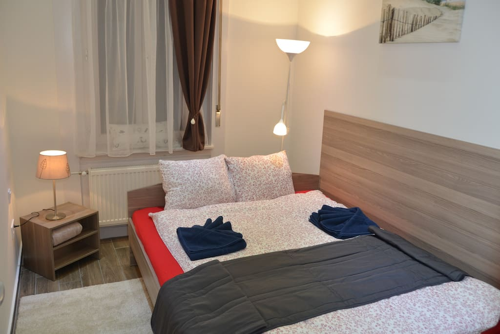 Beroom 2 with double bed