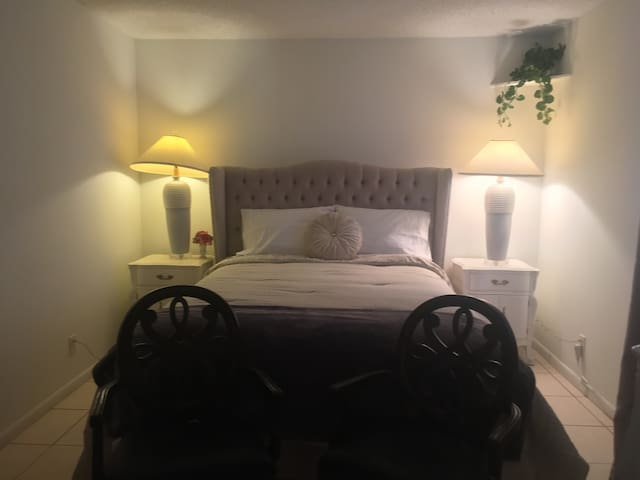 WPB  Cozy & Private Room ( 3 )