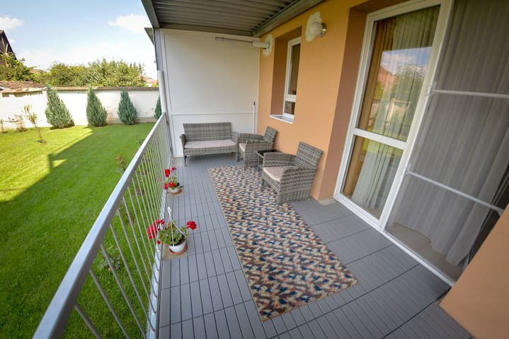 Terezianum Apt with balcony and garden view