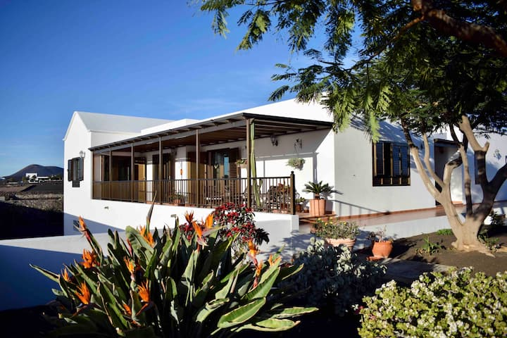 Villa Lava, views, Garden & Relax.