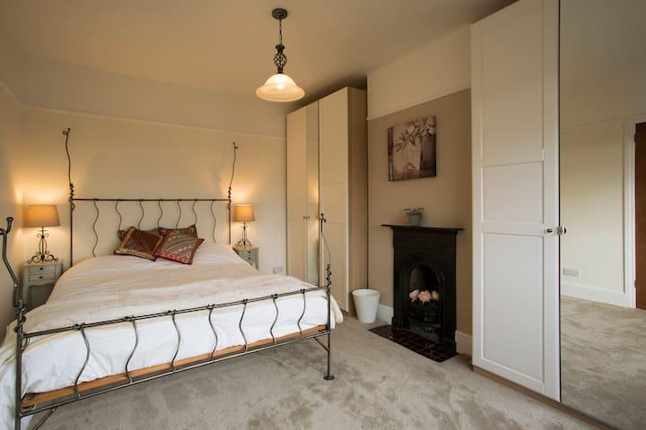 The Amethyst Room