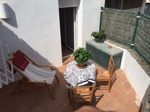 DOUBLE ROOM WITH BATH, TERRACE AND WIFI. CADAQUÉS