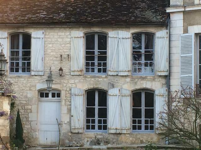 La petite Commanderie - Escolives-Sainte-Camille - House