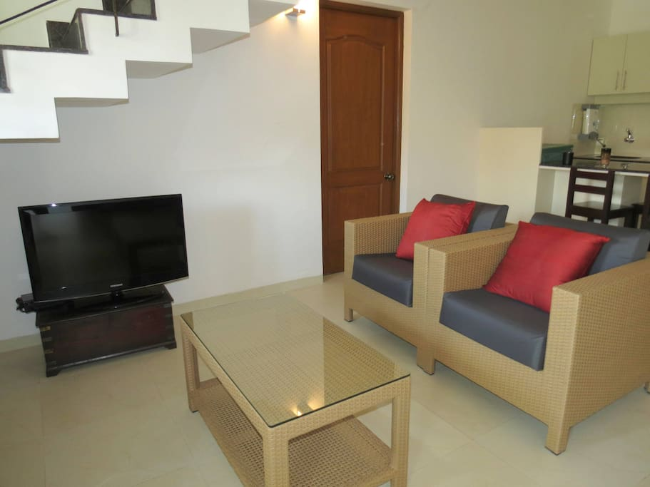 04) Spacious luxurious 2 bedroom serviced apartment  & WiFi photo 18376261