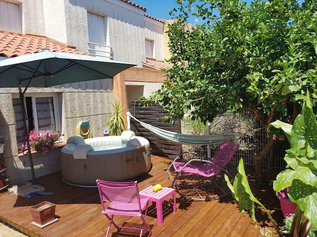 Superbe maison jacuzzi 7plcs - Perpignan - House