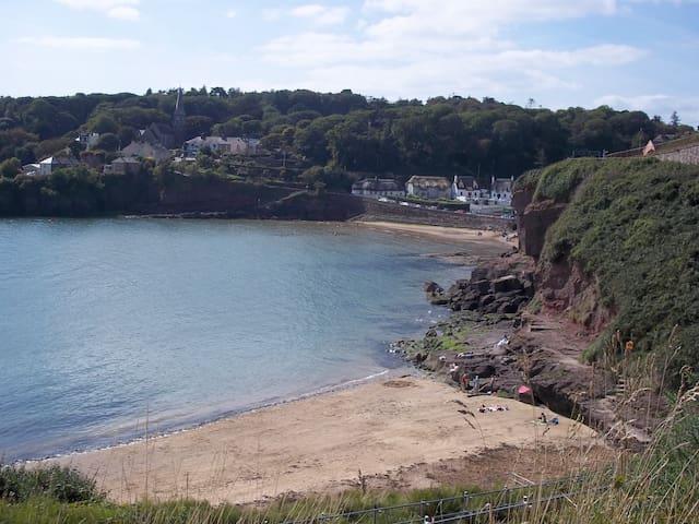Dunmore East Home - Seaside Retreat.