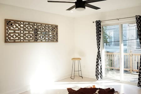 Modern, Clean, Great Location! Federal Hill Harbor
