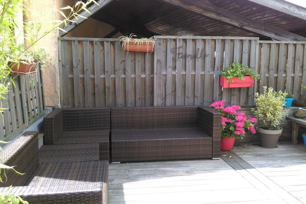 Mobilier de jardin, barbecue