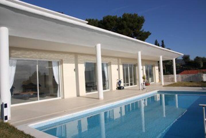 Villa de luxe sécurisée  12 p- Piscine et vue mer - Nice - Villa