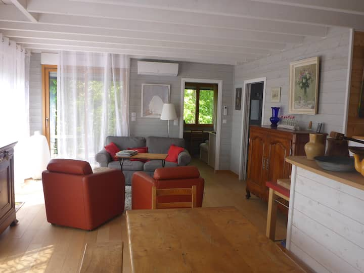 Agréable maison bois  3* proche mer et commerces