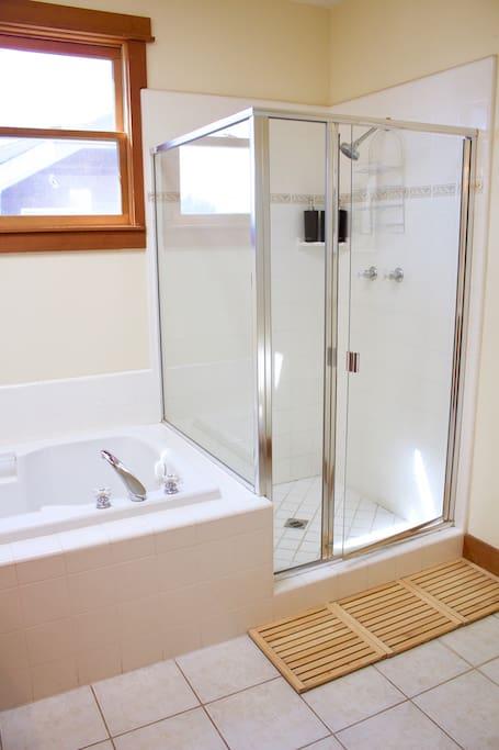 Shared room Shower