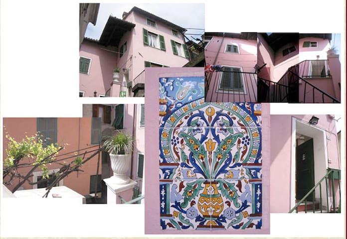 CASA GAVI : medieval centre house - Gavi - Hus