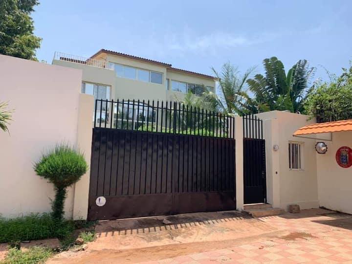 Villa de bon standing à louer au cité du niger