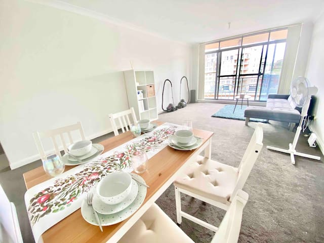 2BRs Apartment close to UNSW/Beaches and More!!