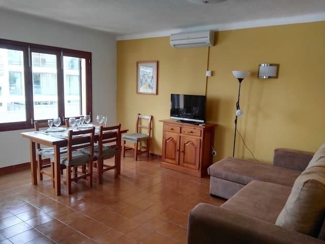 Bright Apartment w storage room for bikes & wi-fi - Felanitx - Condominium
