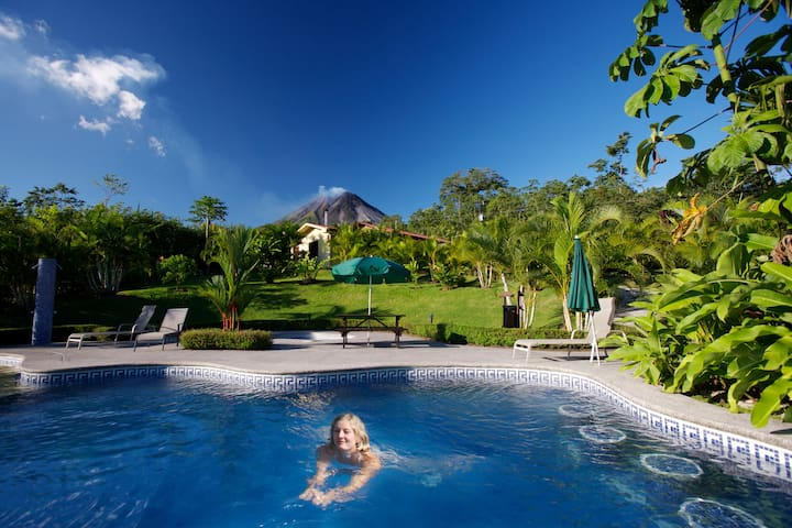 Breakfast, Volcano view, pool and great location.